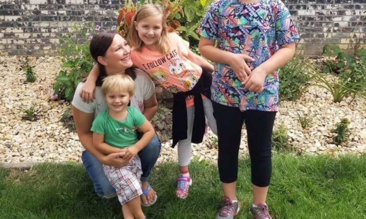 To the Ones on the Outside Looking in While I Care for My Autistic Daughter – AutismSTEP