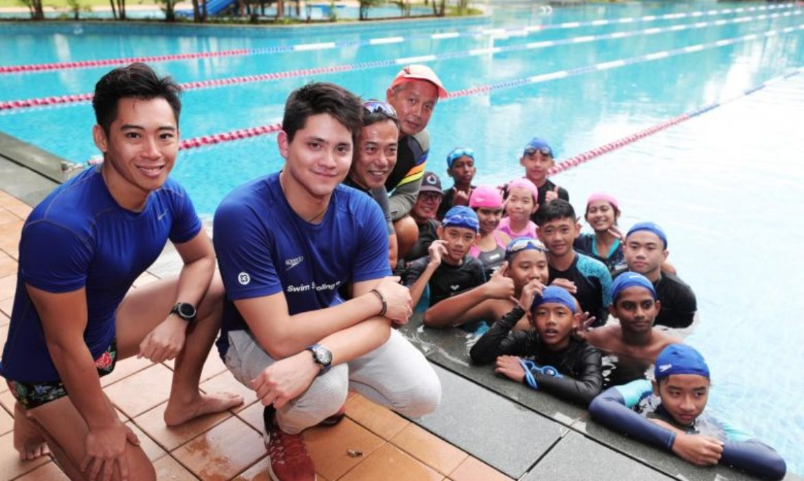 Swimming: Joseph Schooling shares experiences with children in clinic in partnership with Community Chest
